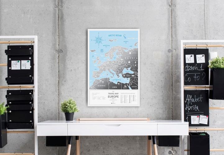 mapa zdrapka srebrna design wnętrze prezent